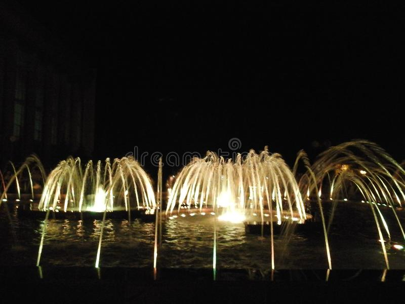 Gesangund tanzende Brunnen stockfotos