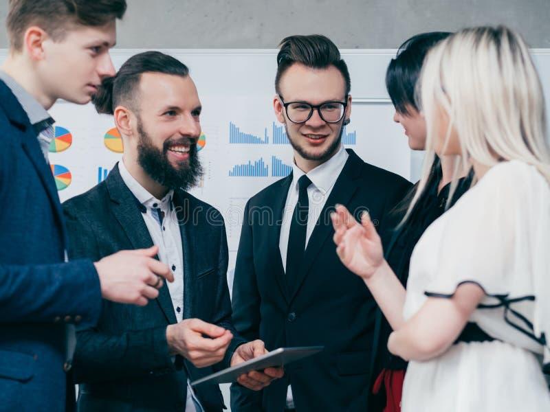 Geschäft meetup Erfahrungsaustausch-Karrierewachstum stockfotografie