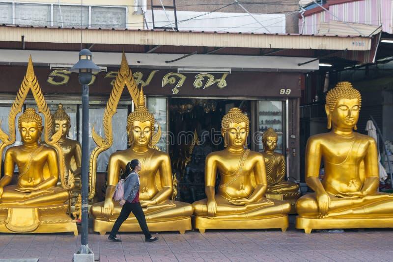GESCHÄFT THAILANDS BANGKOK BANGLAMPHU BUDDHA lizenzfreie stockfotografie