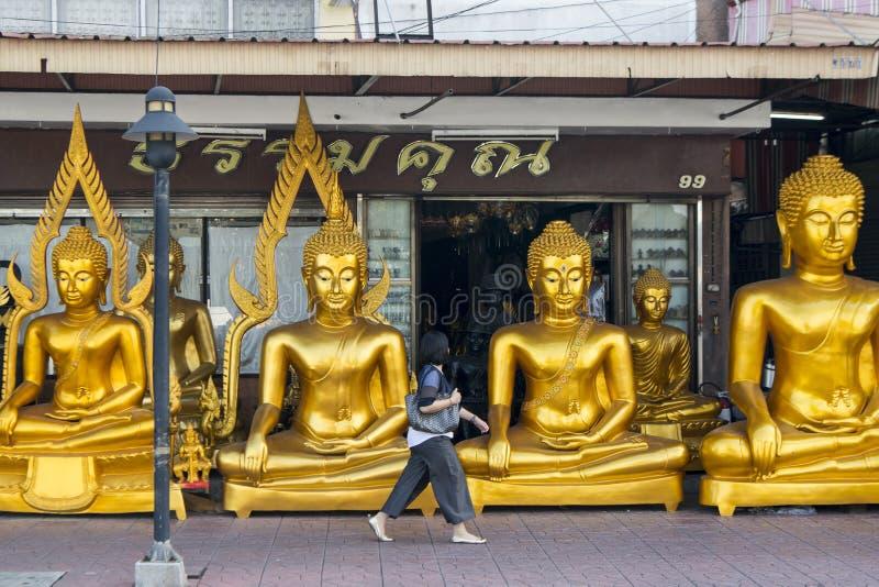 GESCHÄFT THAILANDS BANGKOK BANGLAMPHU BUDDHA lizenzfreie stockbilder