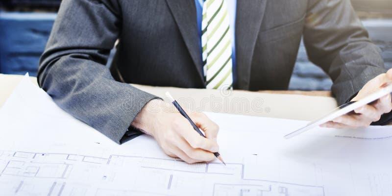 Geschäfts-Geschäftsmann-Concentrate Strategy Creative-Konzept lizenzfreie stockfotos