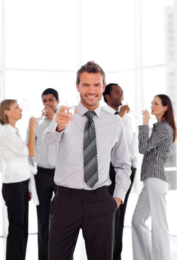 Download Geschäfts-Team, Das Erfolg Feiert Stockbild - Bild von partei, verschieden: 9098339