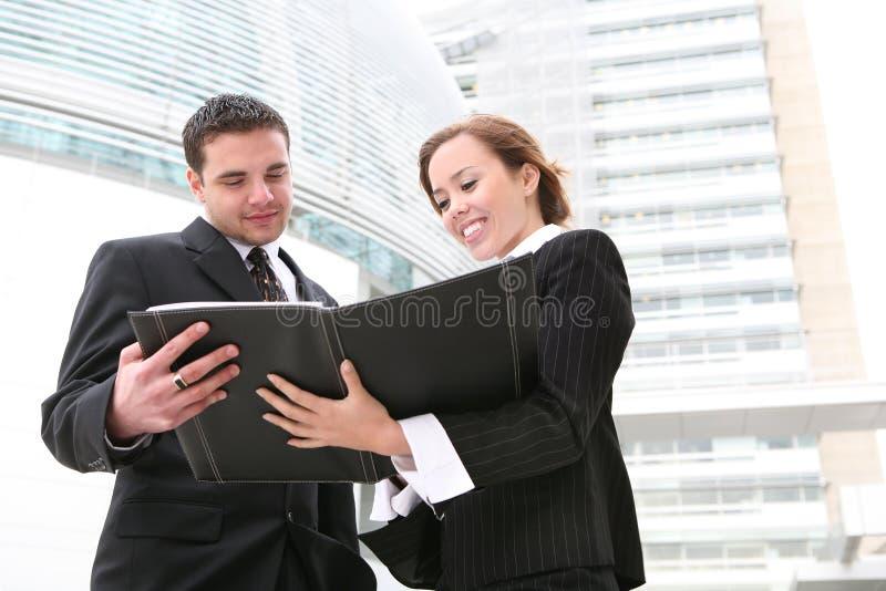 Geschäfts-Team (Fokus auf Frau) lizenzfreie stockbilder