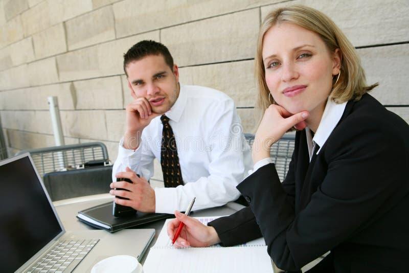 Geschäfts-Team im Büro stockbilder