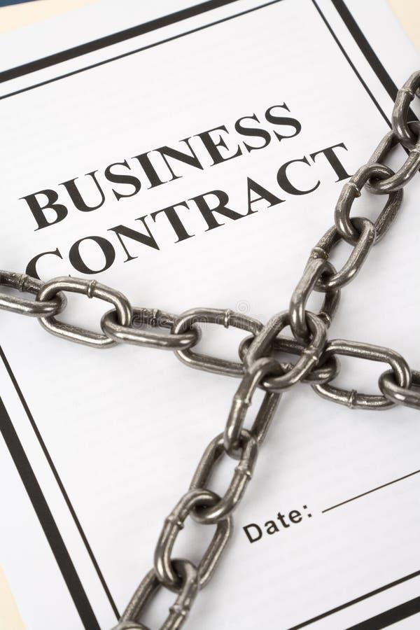 Geschäfts-Vertrag und Kette stockfoto