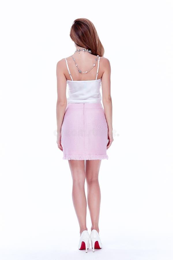 Geschäftsartseidenbluse-Rockperf der sexy Brunettefrau dünne lizenzfreie stockbilder