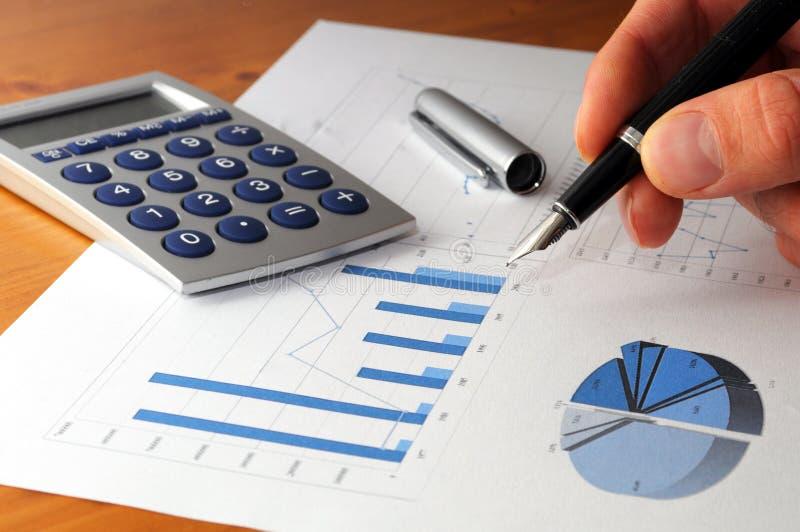 Geschäftsdiagramm und -hand stockfoto