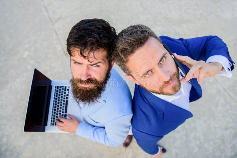 Geschäftsexpertensupport - team, Draufsicht Verkäufe und on-line-Geschäft Vertriebsabteilungsarbeit als Team Geschäftsmänner mit stockfotografie