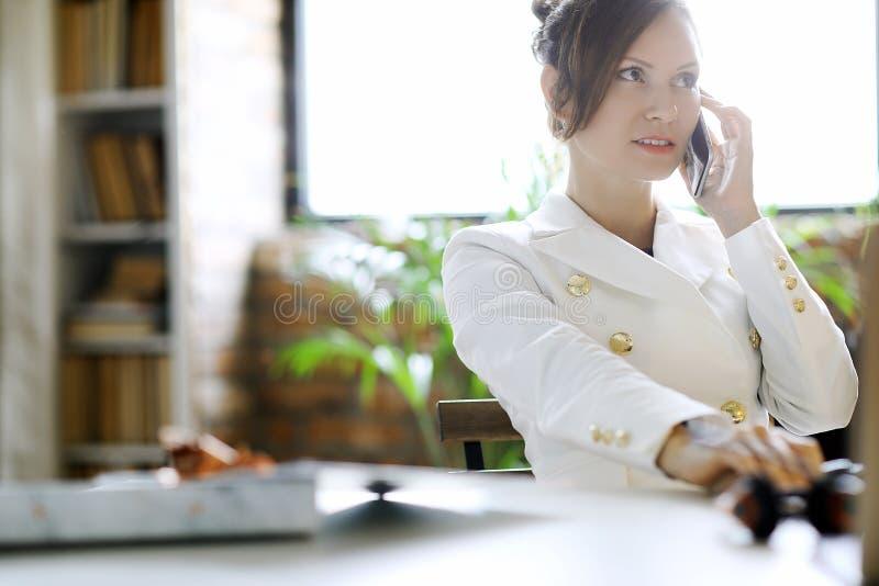 Geschäftsfrau - 2 lizenzfreie stockfotos
