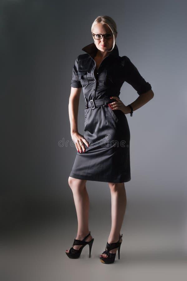 Download Geschäftsfrau stockbild. Bild von unternehmer, nett, arme - 27729037