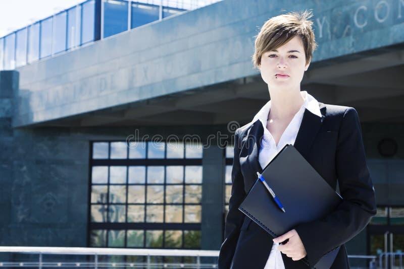 Geschäftsfrau auf die Oberseite stockfotografie
