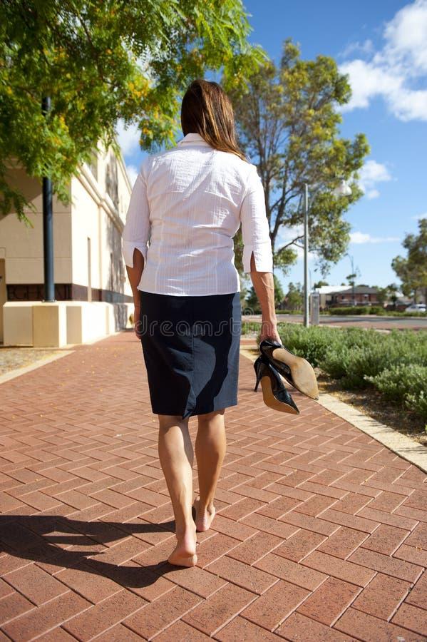 Geschäftsfrau-bloße Füße Lizenzfreies Stockfoto