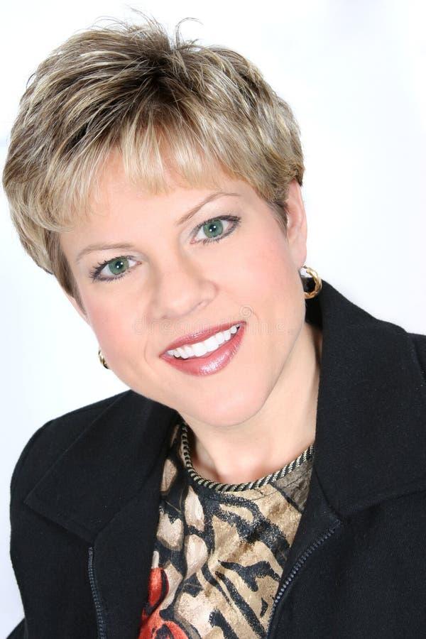 Geschäftsfrau in der schwarzen Klage lizenzfreies stockbild