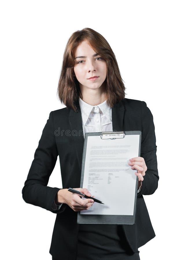 Geschäftsfrau, die das Klemmbrett und den Stift hält stockfotos