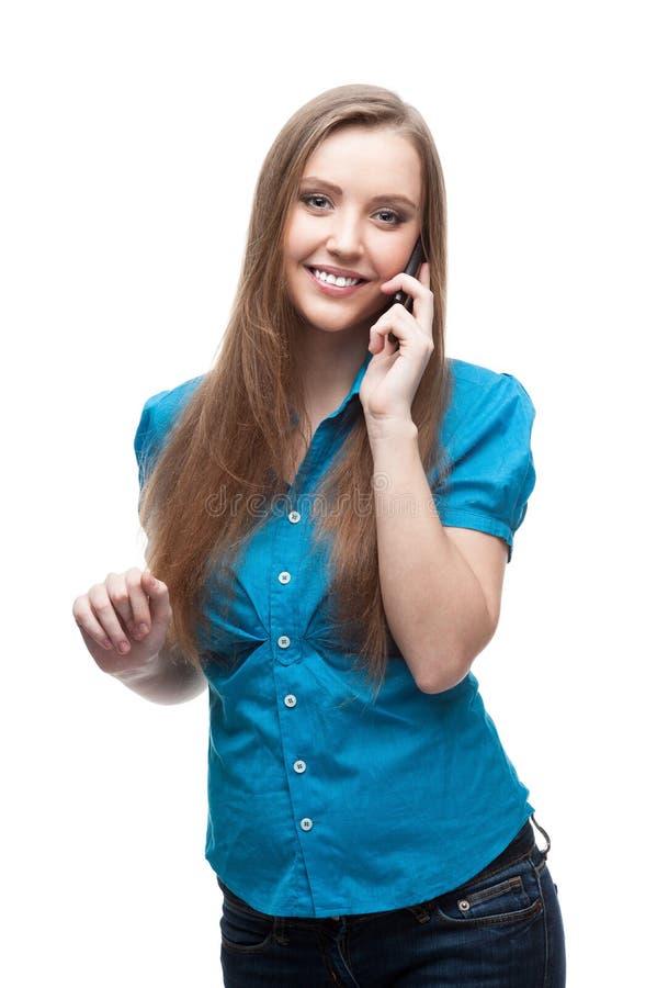 Geschäftsfrau, die am Handy spricht stockfotos