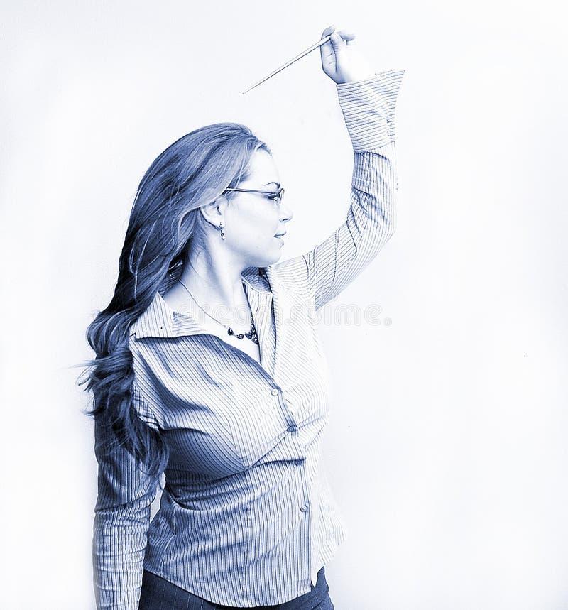 Geschäftsfrau im Blau lizenzfreie stockfotografie