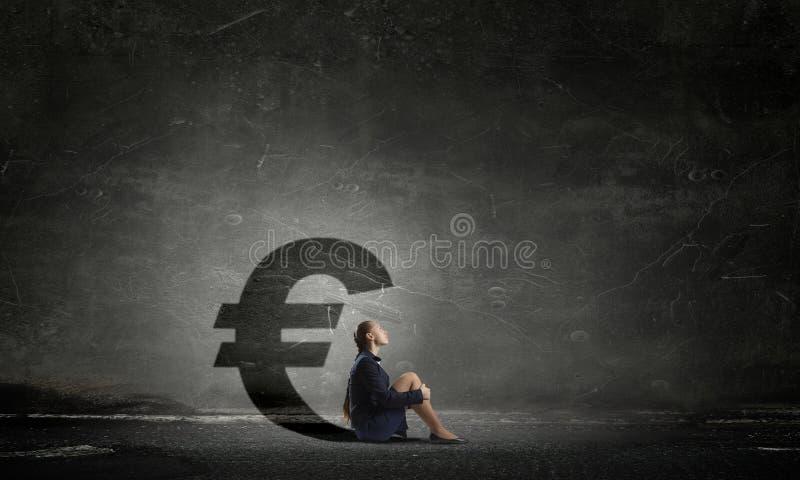 Geschäftsfrau im leeren Raum Gemischte Medien stockfotos