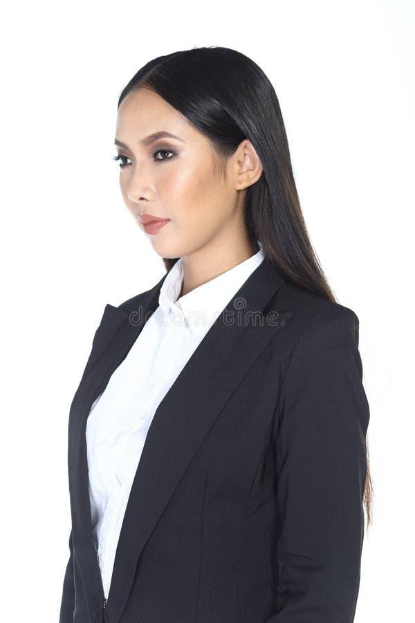 Geschäftsfrau im schwarzen langen Haar des Anzugs und der Hose lizenzfreies stockfoto