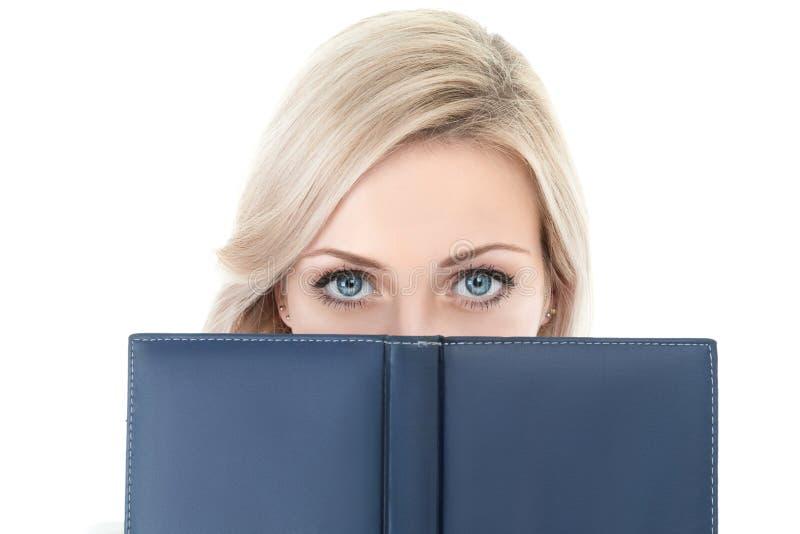 Geschäftsfrau mit Buch lizenzfreies stockbild