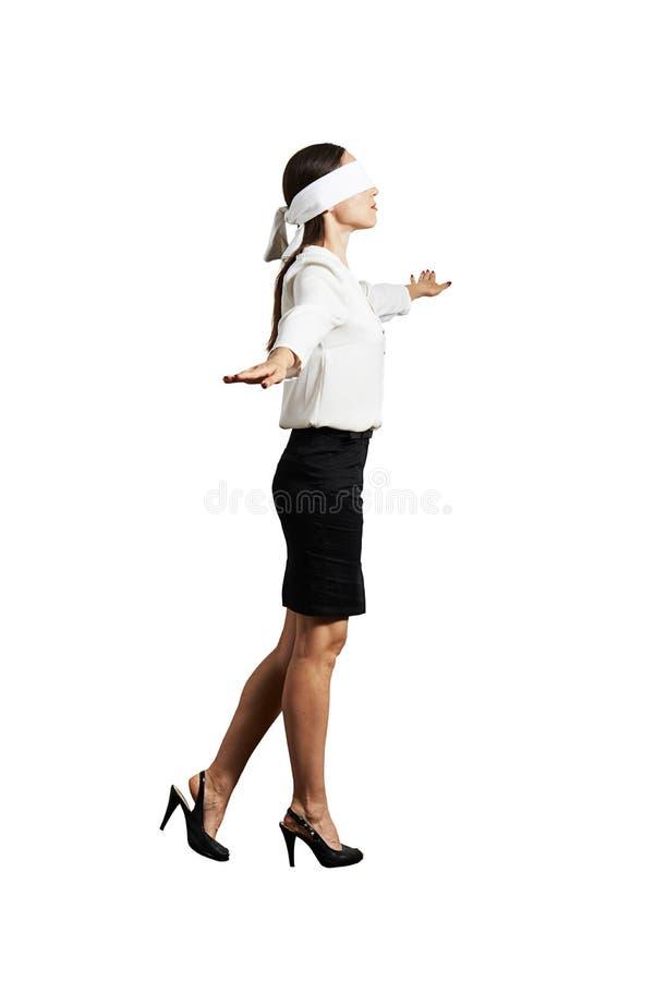 Geschäftsfrau mit der Augenbinde lizenzfreies stockfoto