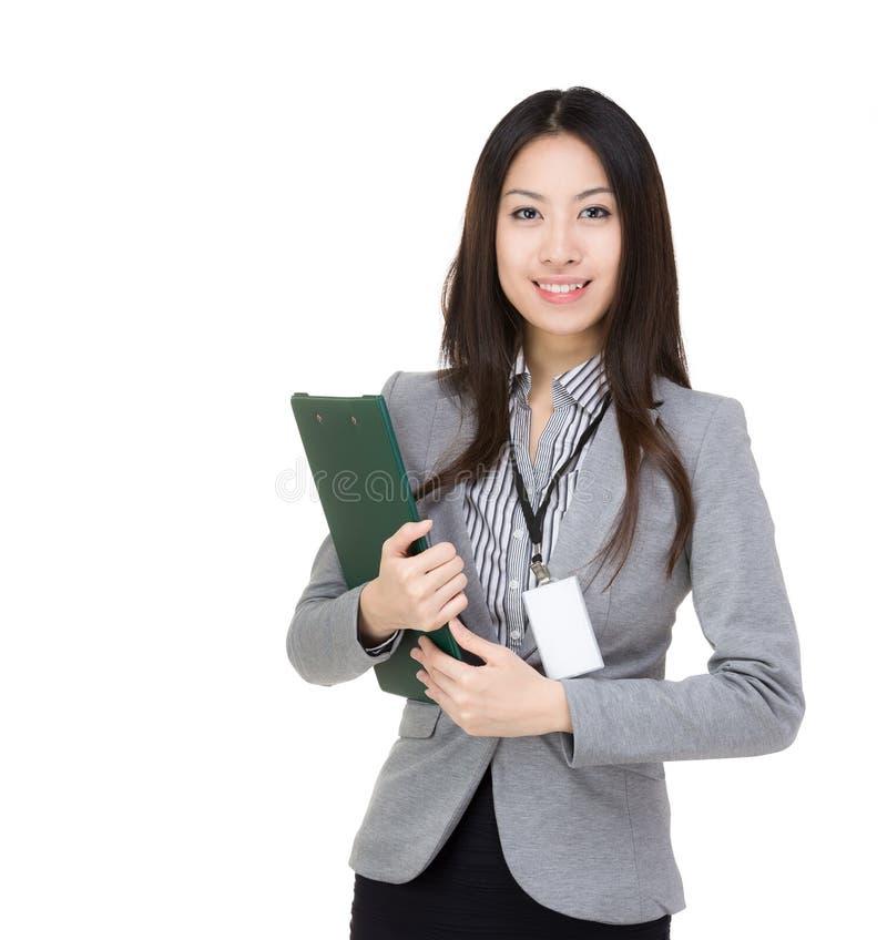 Geschäftsfrau mit filepad lizenzfreies stockbild