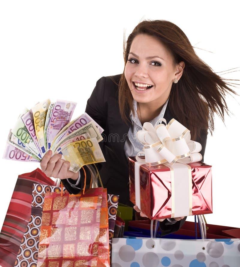 Geschäftsfrau mit Geld, Geschenkkasten und Beutel. lizenzfreies stockfoto