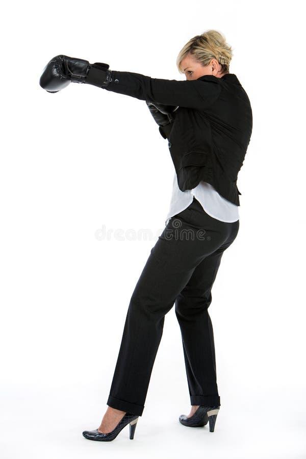 Geschäftsfrau mit Verpackenhandschuhen lizenzfreie stockfotos