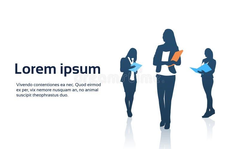 Geschäftsfrau-Team Crowd Silhouette Businesspeople Group-Griff-Dokumenten-Ordner vektor abbildung
