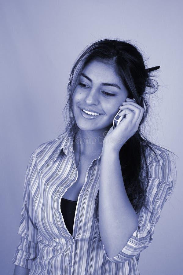 Geschäftsfrau und cellphone-4 lizenzfreie stockbilder