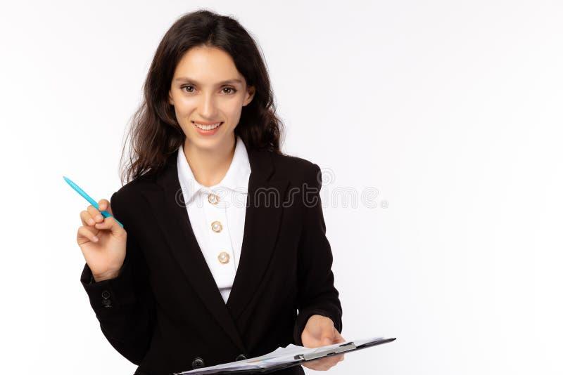Geschäftsfrau wird selbstbewusst, entschlossen, glücklich Schöne Geschäftsfrau gewinnt Erfolg Eigentümergesellschaft lizenzfreie stockfotos