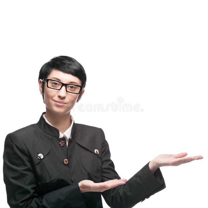 Geschäftsfrau zeigen Leerstelle an lizenzfreies stockbild
