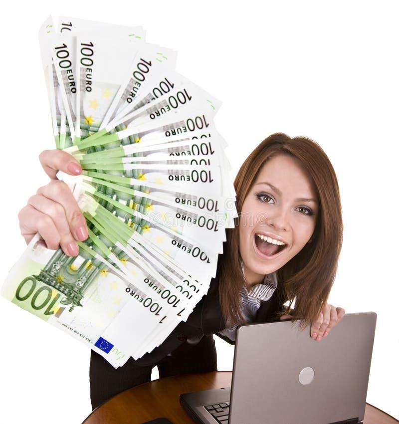 Geschäftsfrauen mit Gruppe des Geldes und des Laptops. stockbilder