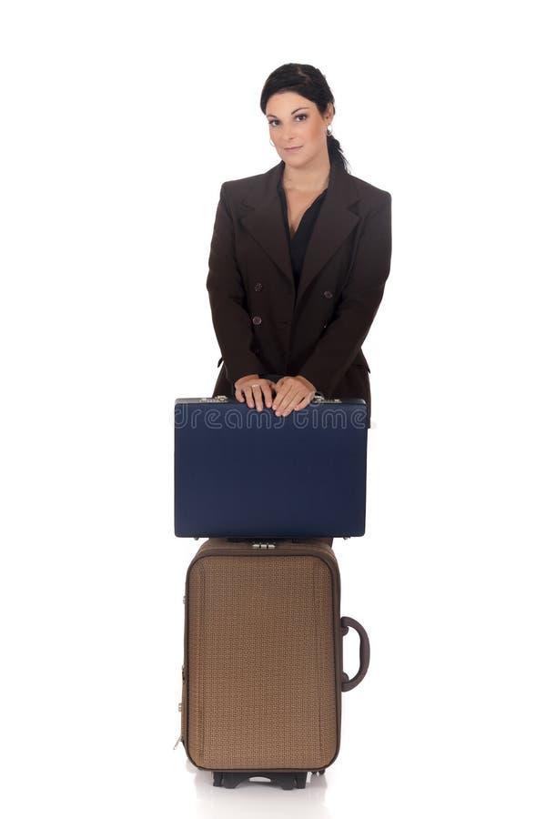 Geschäftsfraureisendkoffer lizenzfreie stockbilder