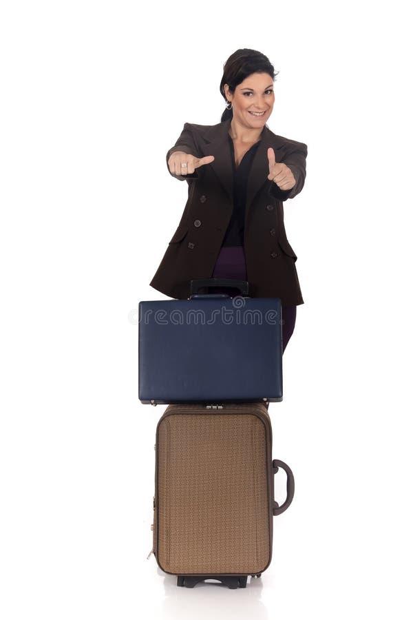 Geschäftsfraureisendkoffer stockfotografie