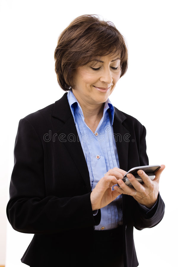Geschäftsfrauschreibens-Textmeldung lizenzfreie stockfotos