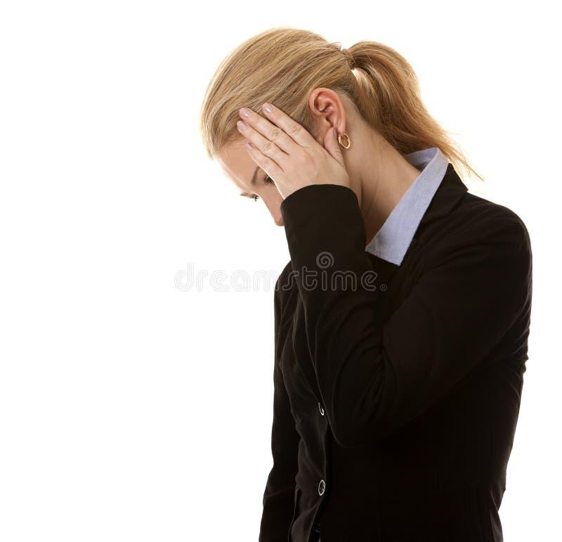 Geschäftsfrauverstecken lizenzfreie stockfotos