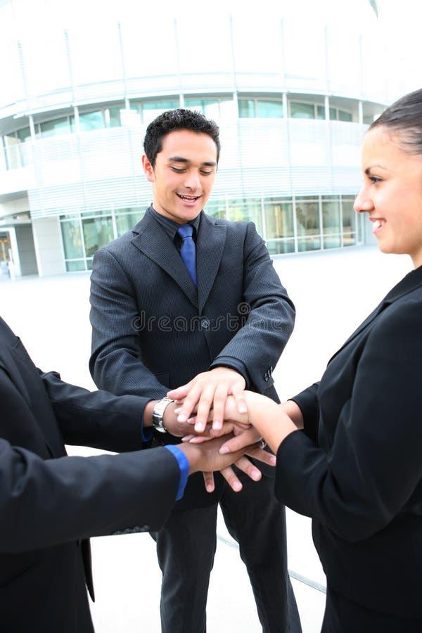 Geschäftsgruppe, die einen Erfolg feiert stockfotos