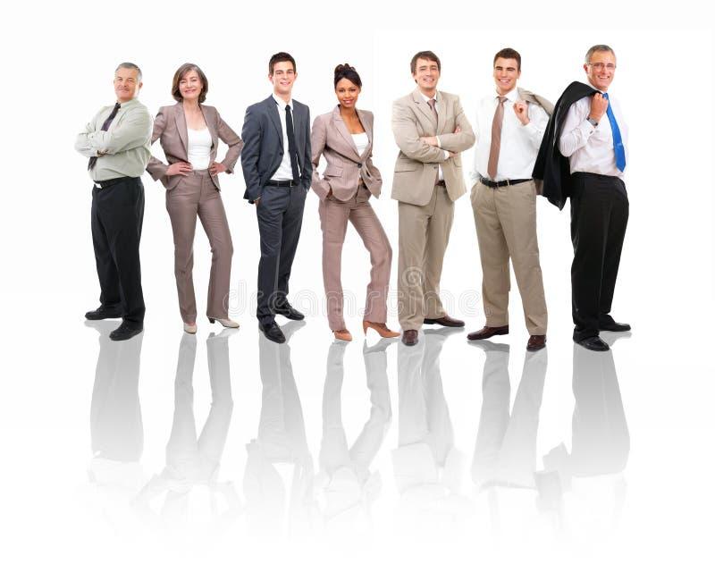 Geschäftsgruppen und verschiedene Leute in einer Zeile legen herein stockbild