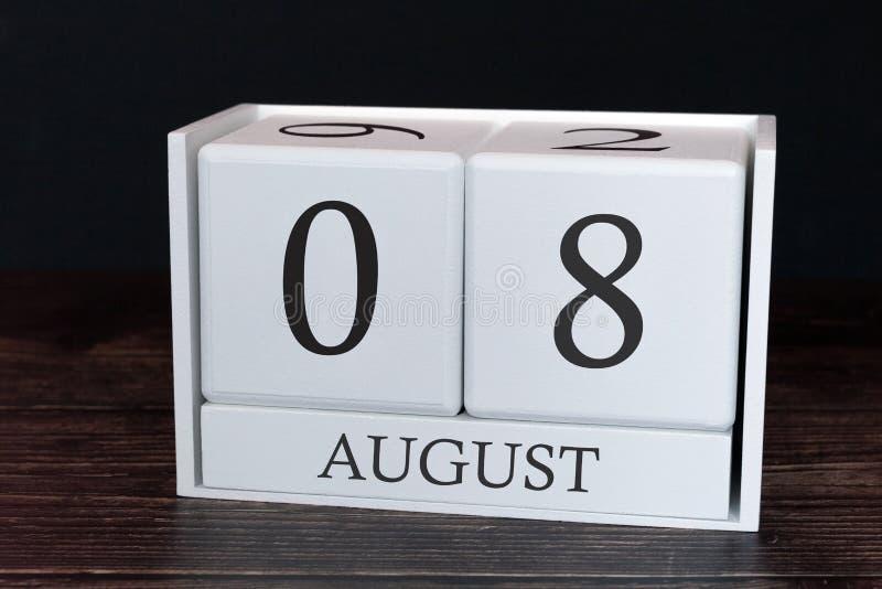 Geschäftskalender für August, 8. Tag des Monats Planerorganisatordatum oder Ereigniszeitplankonzept stockfotografie
