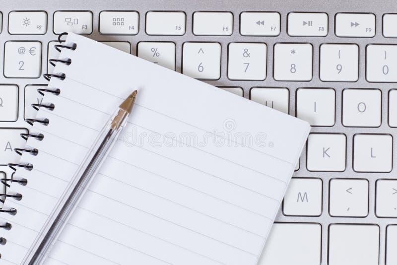 Geschäftskommunikation oder Lernkonzept stockbilder
