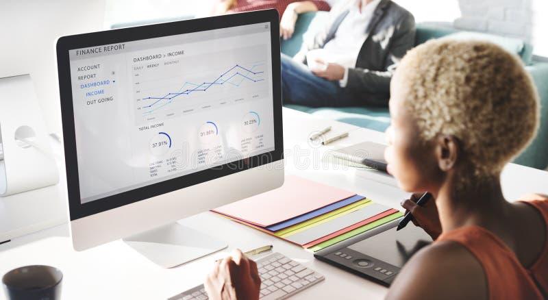 Geschäftsleute Analyse-denkende Finanzwachstums-Erfolgs-Konzept- stockbild