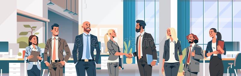 Geschäftsleute Büroinnenmannfrauen-Partnerschaft des Konzeptes der Gruppenhanderschütterungsvereinbarung in Verbindung stehende m vektor abbildung