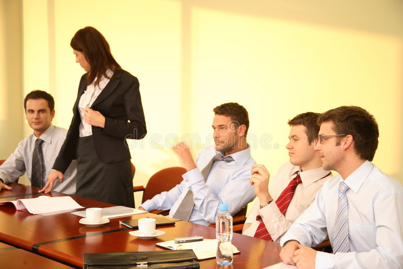 Geschäftsleute bei der Konferenz lizenzfreie stockfotografie