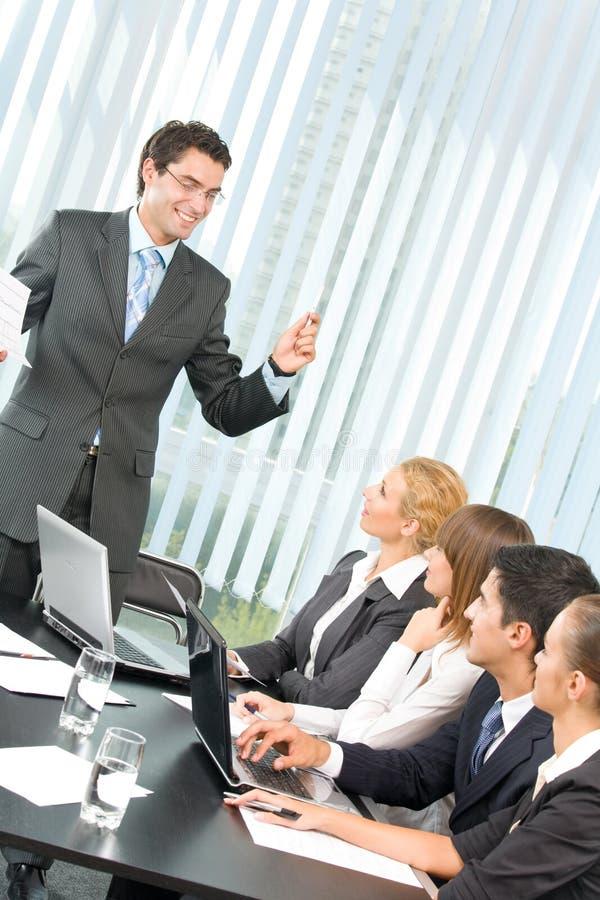 Geschäftsleute bei der Konferenz lizenzfreies stockfoto