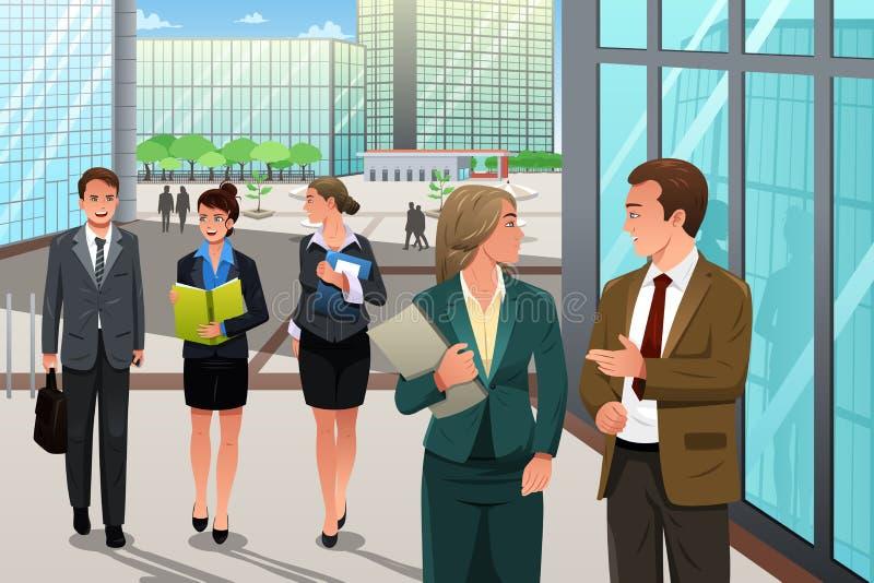 Geschäftsleute, die außerhalb ihres Büros gehen und sprechen lizenzfreie abbildung