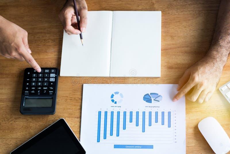 Geschäftsleute, die Teamwork-Konzept, Acco brainstoming und geplant worden sein würden stockbild