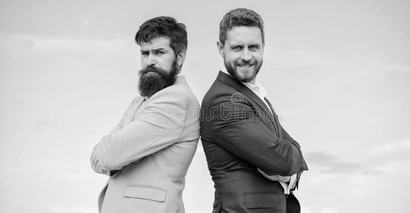 Geschäftsleute Konzept Wohler gepflegter Auftritt verbessert Geschäftsansehenunternehmer Bärtige Geschäftsleute stockfoto