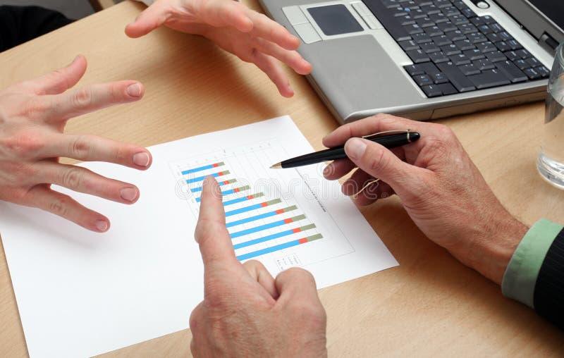 Geschäftsleute Planung lizenzfreie stockfotografie