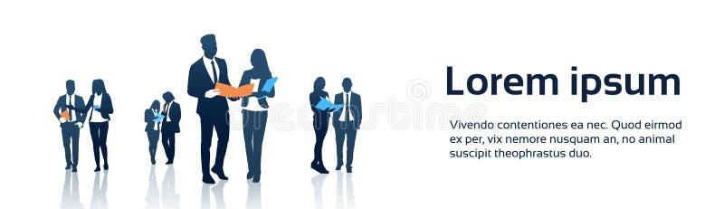 Geschäftsleute Team Crowd Silhouette Businesspeople Group-Griff-Dokumenten-Ordner- lizenzfreie abbildung