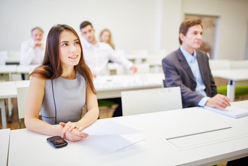 Geschäftsleute während des Trainings stockfoto